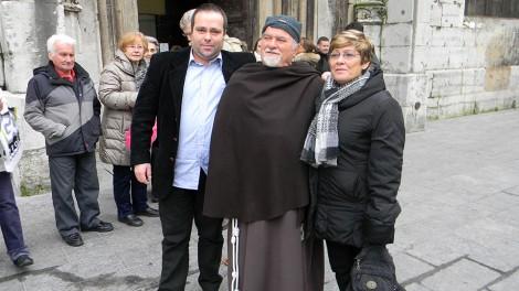 Mina Puddu con padre Gerardo - Mina Puddu con Padre Gerardo Saldutto
