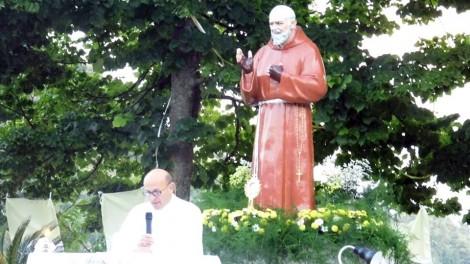 "Raviscanina Tonino Lanzone legge - RAVISCANINA:  Tonino Lanzone, fondatore dell'Associazione ""Volontariato Padre Pio"""