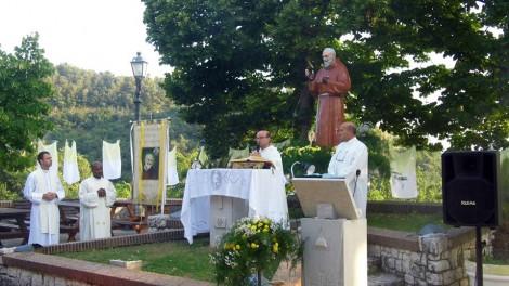 Raviscanina padre Antonio Pompilio - RAVISCANINA: Santa Messa