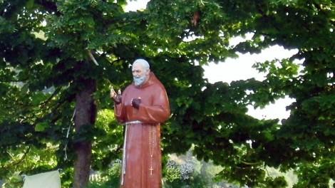 Raviscanina statua di Padre Pio - RAVISCANINA: Statua di Padre Pio