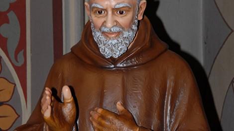 Torino 1 Statua di Padre Pio