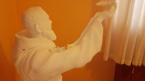 Particolare statua di Padre Pio