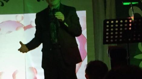 Cantante rino oliva - il cantante Rino Oliva che ha animato e allietato la serata