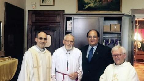 IMG-20160603-WA0025 - Mons. Flavio Carraro, il parroco, il segretario e Gianni Mozzilo