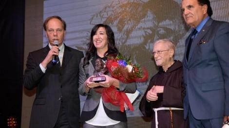 Emanuela Aureli con il direttore Gianni Mozzillo e P. Marciano Morra