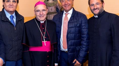 I vertici degli Araldi di San Pio da Pietrelcina con l'arcivescovo di Benevento mons. Felice Acrocca.