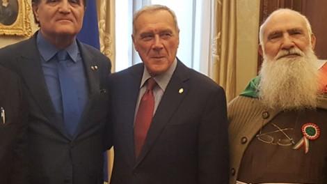 Grasso1 - Al senato con l'ex presidente Grasso, il direttore Gianni Mozzillo e Padre Riccardo