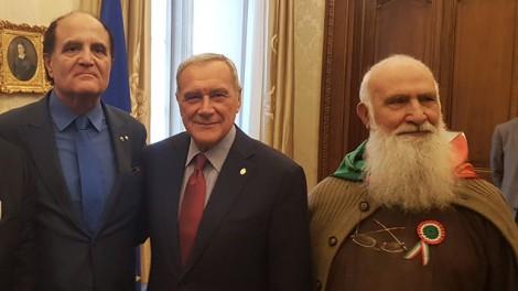 Grasso2 - Al senato con l'ex presidente Grasso, il direttore Gianni Mozzillo e Padre Riccardo