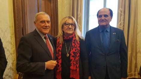 Grasso6 - Al senato l'ex presidente  Grasso con il direttore Mozzillo e Raffaella Di Molfetta
