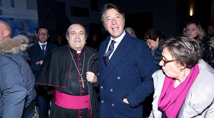 Il Priore Giovanni Pimpinella con il vescovo Sigarini