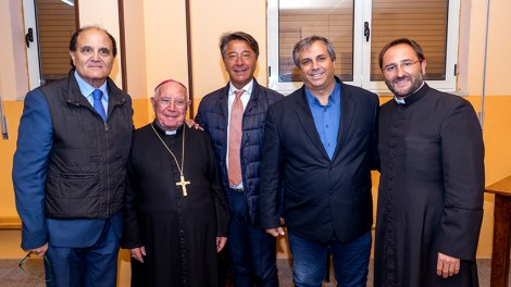 Zerrillo - I vertici degli Araldi con il Vescovo mons. Zerrillo