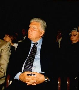 Sergio Zavoli In attesa di ricevere il premio-dono.